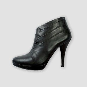 GUESS BLACK LEATHER PLATFORM BOOTIES